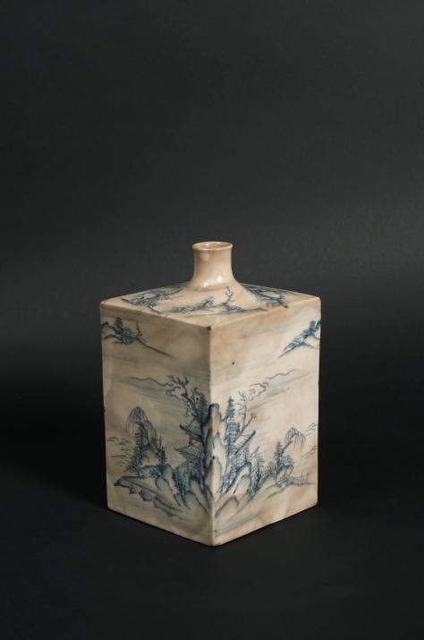 Carole Davenport (New York, NY) Tangen Satsuma Tokkuri, sake bottle Middle Edo period, Kyushu, Japan