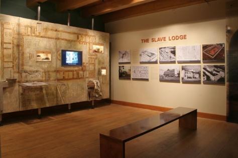 slave-lodge-interior__large_1000_665_s_100