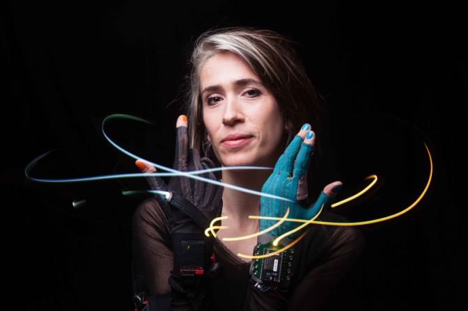 Meet Folktronica/English Singer-Songwriter and Composer, @ImogenHeap #NoCriticsJustArtists